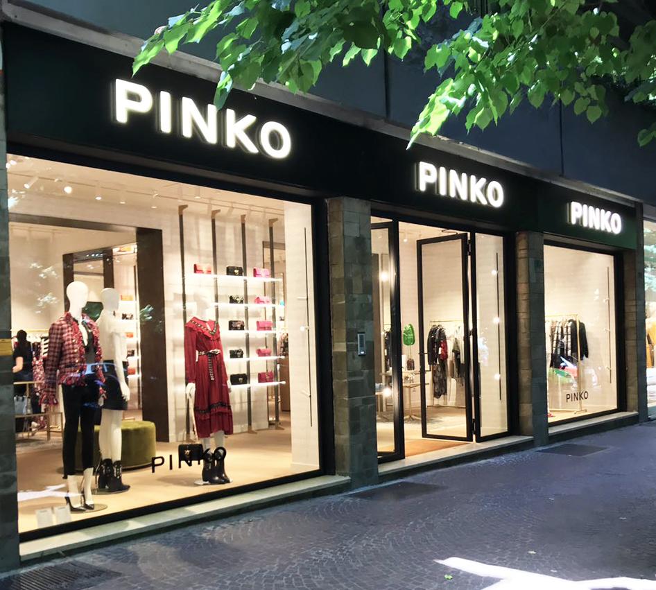 official photos 7e727 bd44b Brokered new Pinko shop - Josas Immobiliare