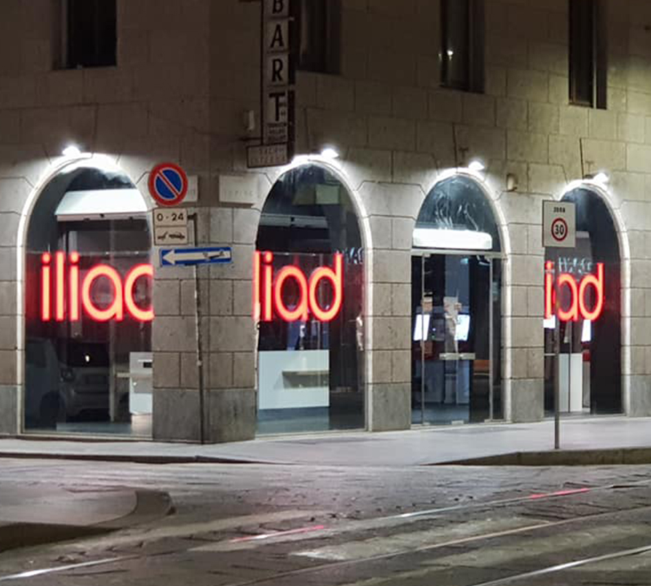 Apertura flagship store