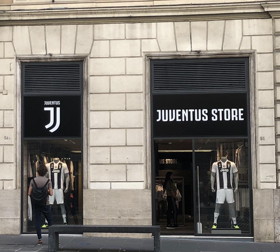 Negozio Juventus vista frontale