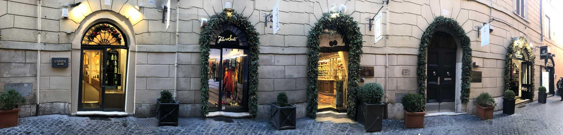 Via Vittoria Roma, Profumi del lusso