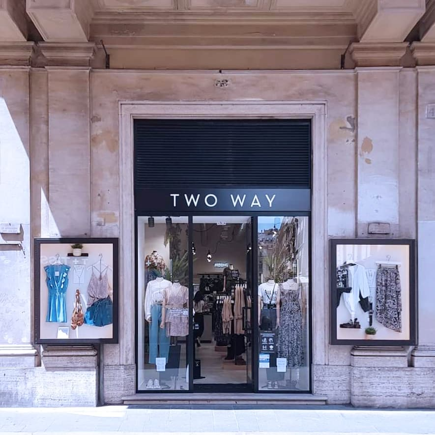 two way via del corso